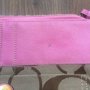 Coach Bags - Coach Tote 👜 crossbody signature and pink